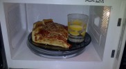 Pizza y agua