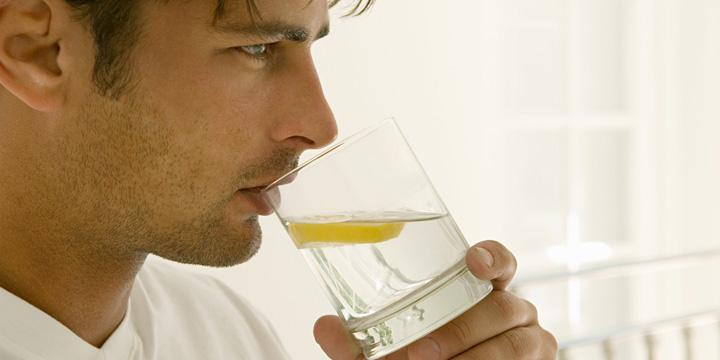 beneficios-de-tomar-agua-de-limon-por-la-manana2