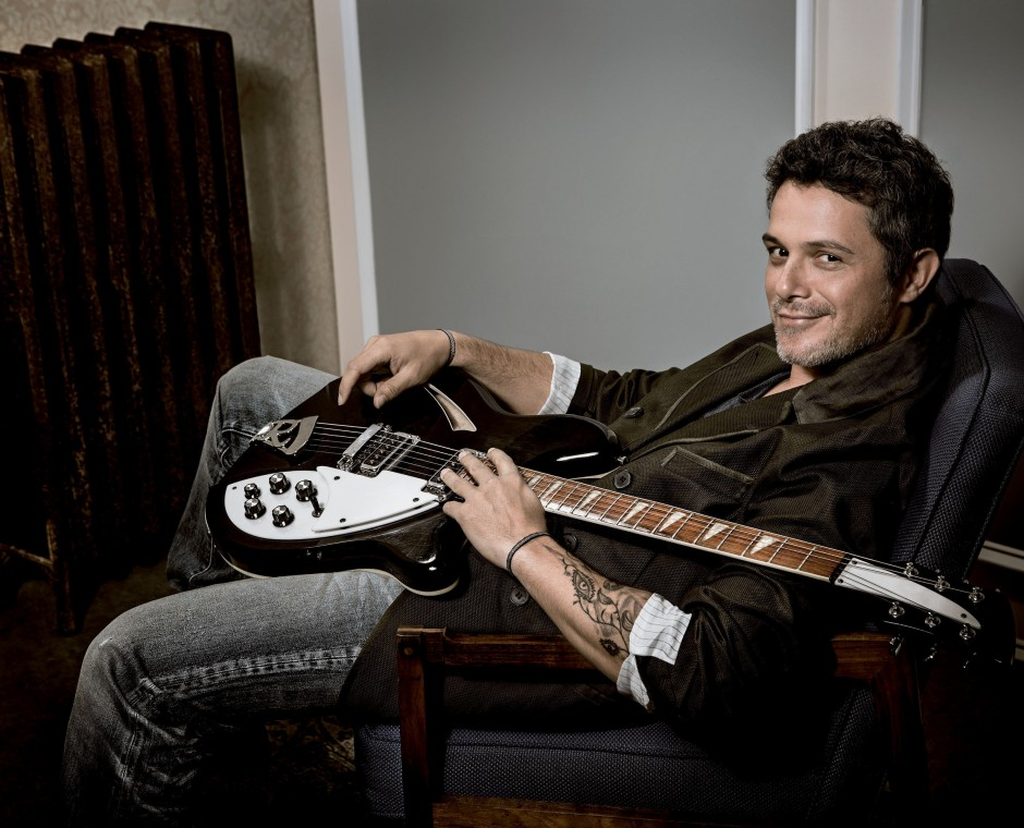ALEJANDRO SANZ TO RECEIVE HONORARY DOCTOR OF MUSIC DEGREE
