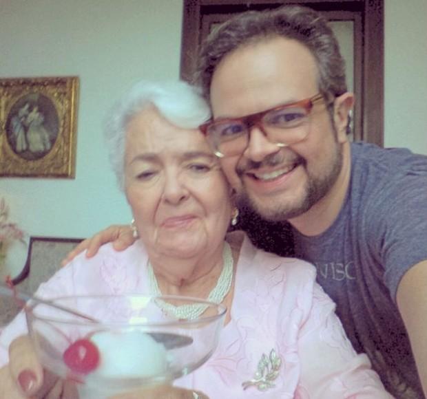Aleks Syntek y su madre
