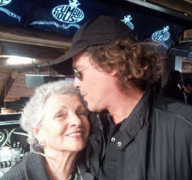 Carlos Vives y su madre