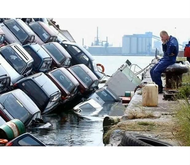 coches al agua