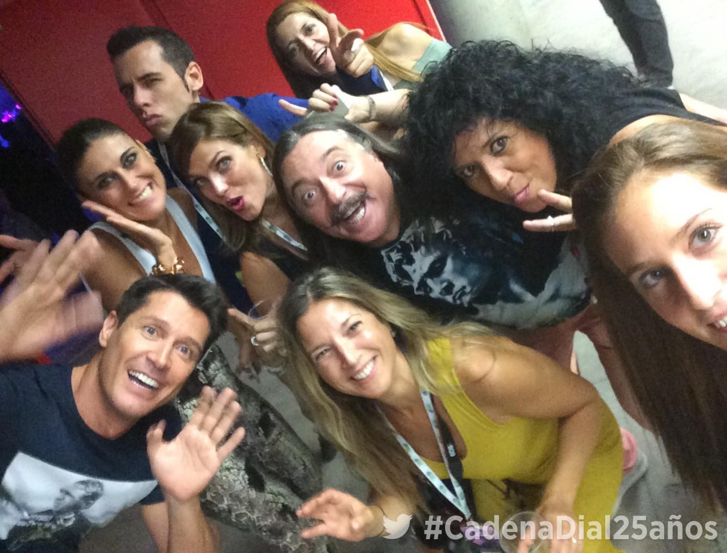 Cantizano, Carmela, Marta, Isidro, Rosana, Iván, y Juani