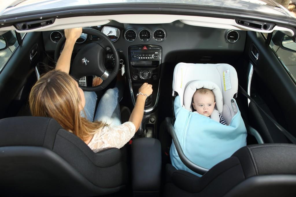 Los ni os en el coche con la nueva ley de tr fico for Asientos infantiles coche