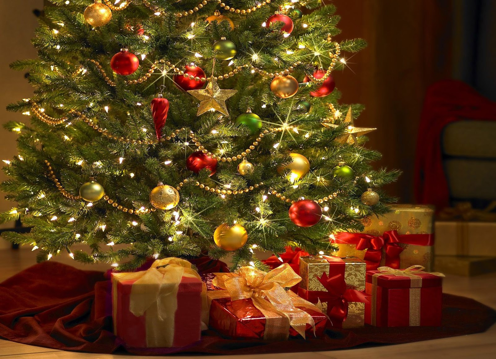 Como Decoran Nuestros Artistas Sus Arboles De Navidad - Arboles-para-navidad