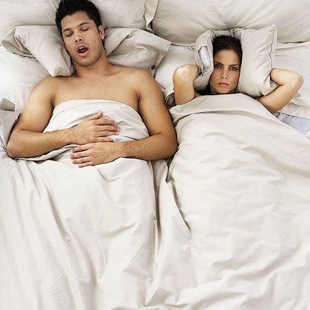 pareja cama