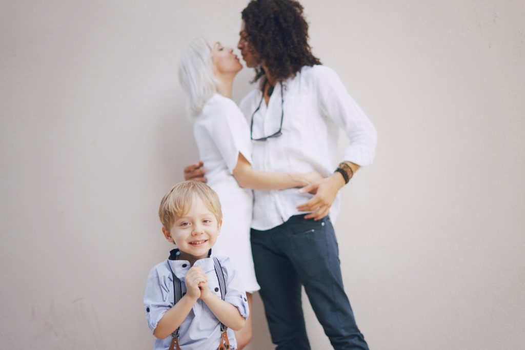 Beso familia