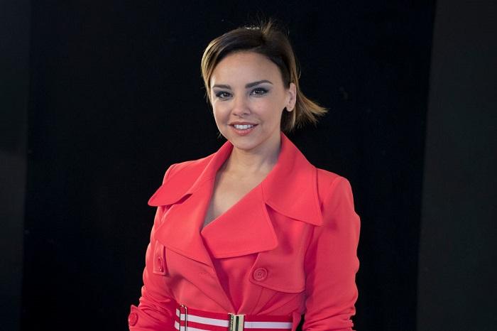 Chenoa vestido rojo