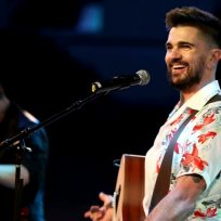 Juanes cantando en Houston