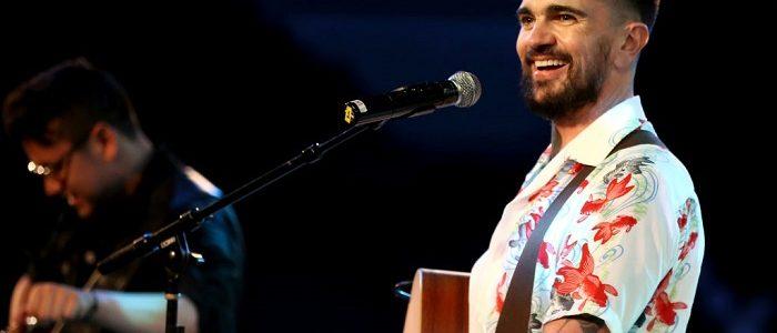 Juanes cantando en Houston