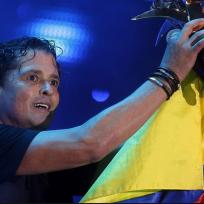 carlos vives bandera colombia