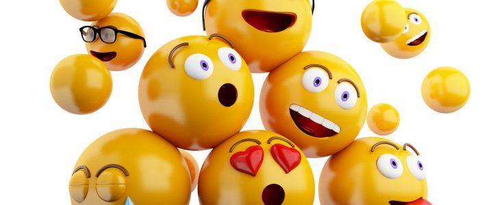 emojis situados en pirámide
