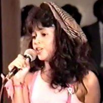 shakira en una de sus primeras actuaciones