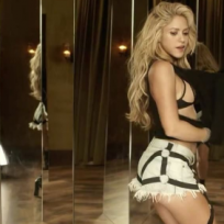 canciones del verano, Shakira bailando delante de muchos espejos