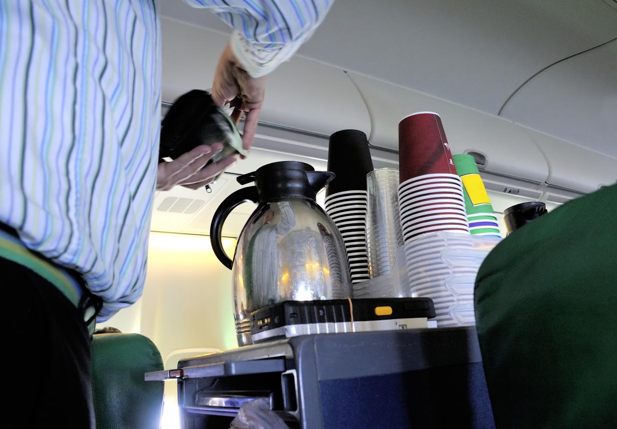 café azafato avión