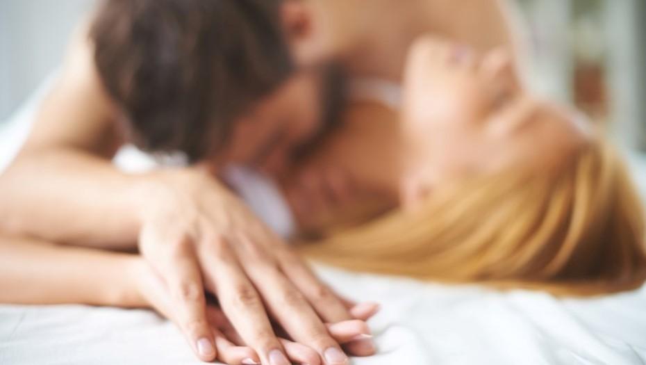 sexo satisfayer pareja