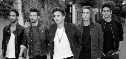 Dvicio – Qué Tienes Tú ft. Jesús Reik, Mau y Ricky