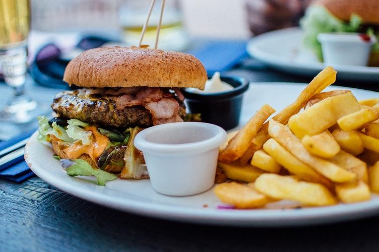 hamburguesa-patatas