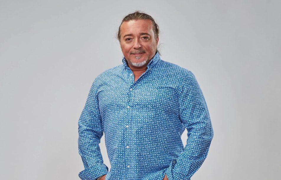 Isidro Montalvo marea a una oyente con un pedido de aceitunas y un megáfono - Cadena Dial