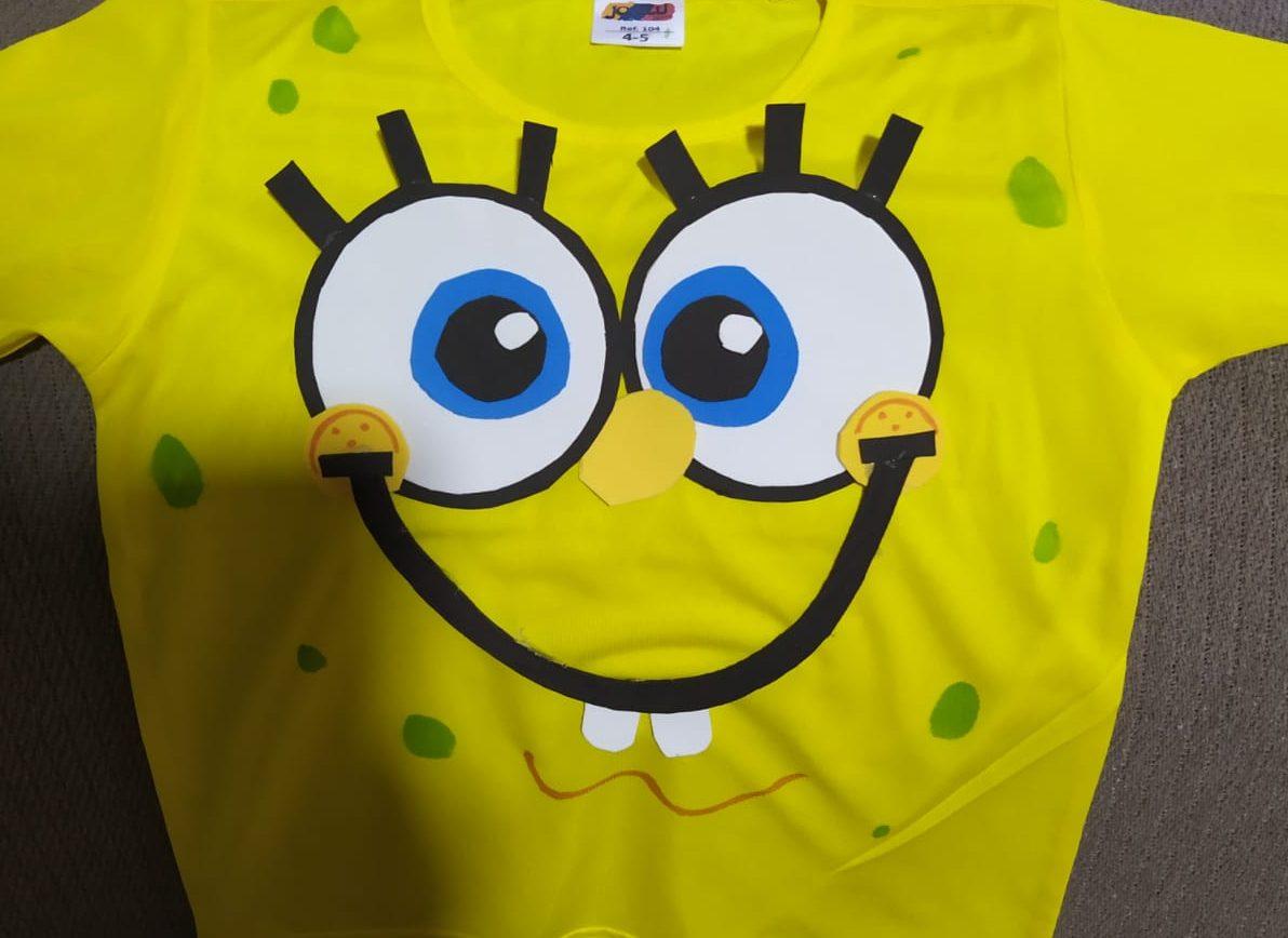 el disfraz de bob esponja en camiseta