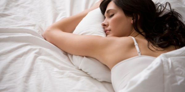 mujer dormir