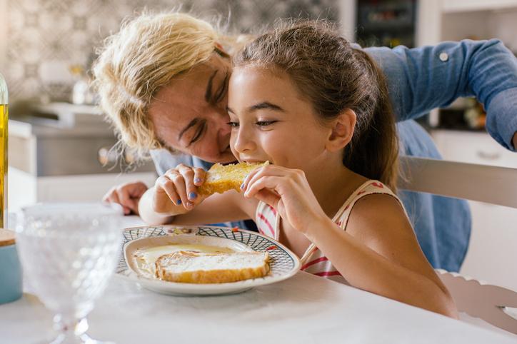 madre hija tostada mermelada caducado