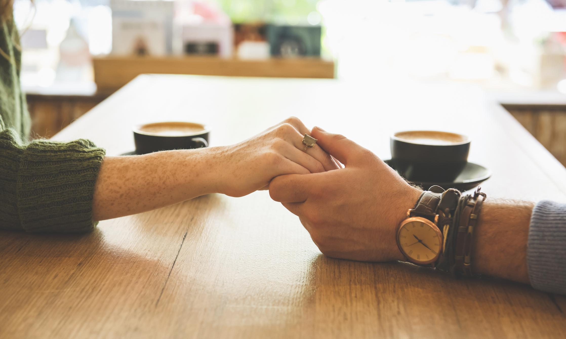 vende el reloj que le regaló su expareja y la pide perdón en la descripción