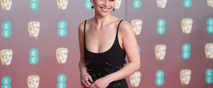 Emilia Clarke te ofrece cenar con ella si le ayudas a recaudar fondos contra el coronavirus