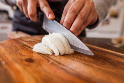 El truco definitivo para dejar de llorar cuando cortes cebolla
