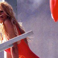 """Pamela Anderson aún conserva su mítico bañador de """"Vigilantes de la Playa"""""""