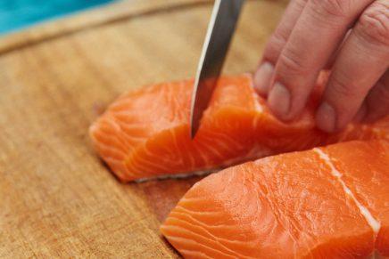 Tabla de cortar salmón