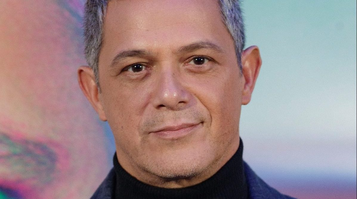 Alejandro Sanz Presents New Single