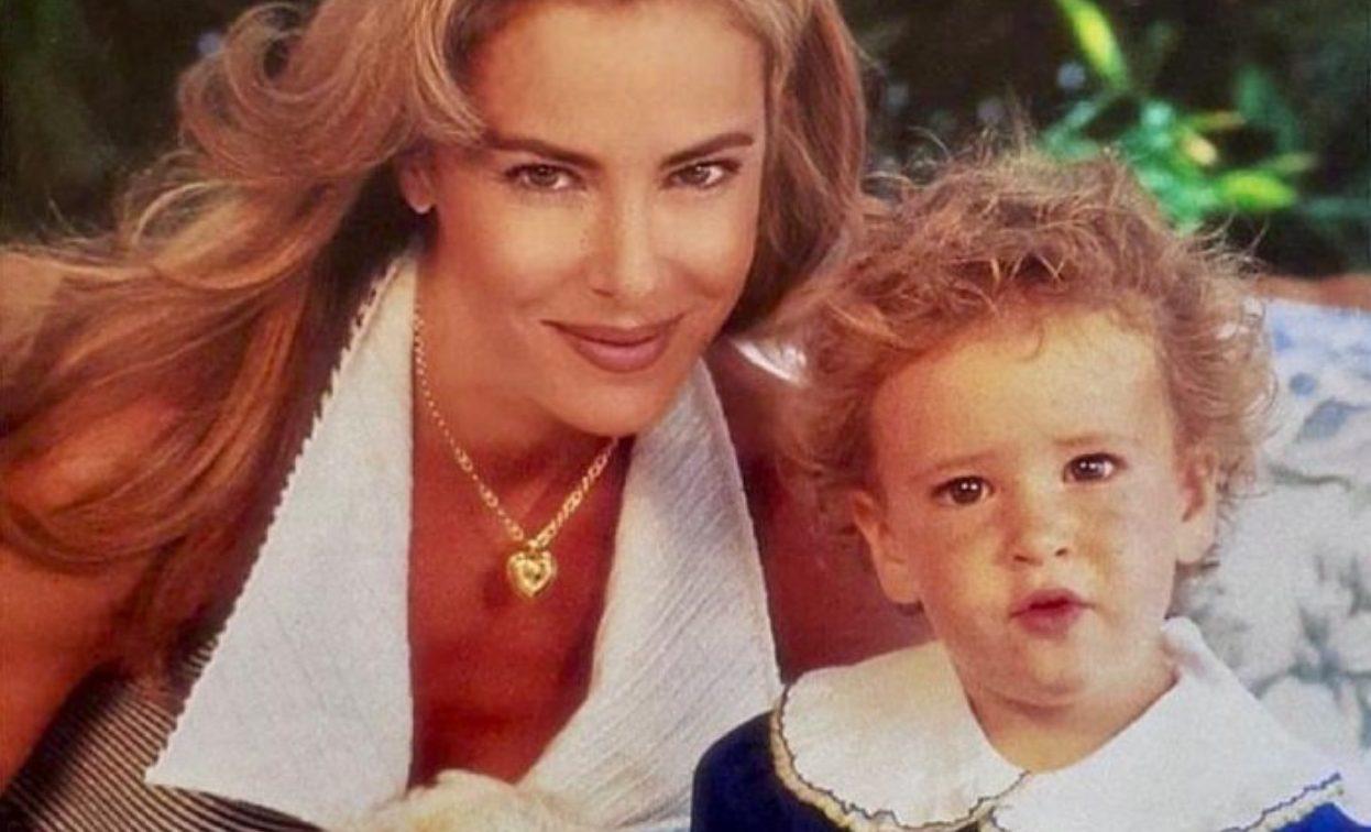 Ana Obregón con su hijo Aless