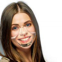 mascarilla transparente mujer inteligente smartphone