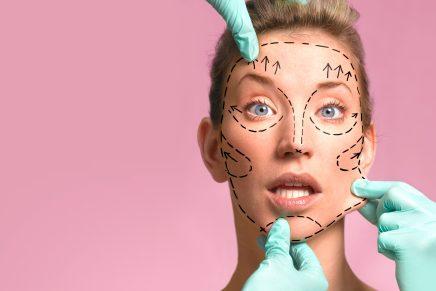 Rostro dibujado para evitar las arrugas