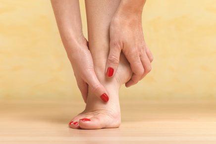 pies descalzos sin zapatillas
