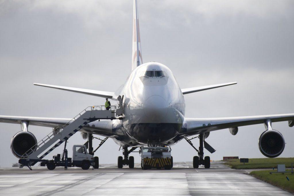 Avión blanco