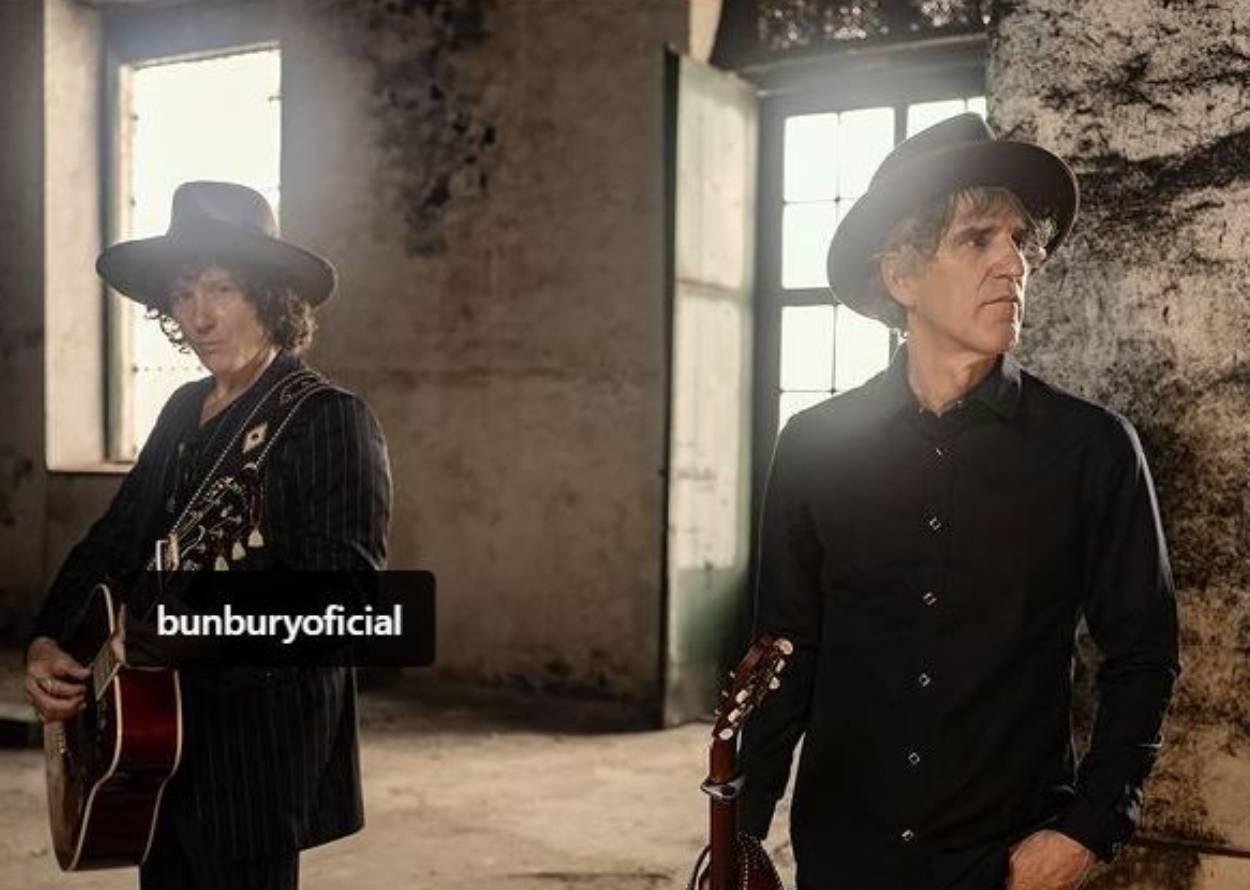 Mikel Erentxun y Enrique Bunbury en la grabación del clip Veneno